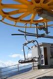 Bergstoeltjeslift Het van brandstof voorzien van de benzinepomp stock afbeelding