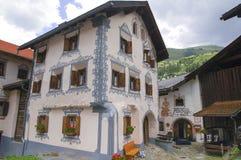 Bergun/Bravuogn (die Schweiz) lizenzfreie stockfotografie