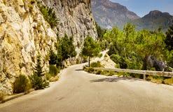 Bergväg i greece Royaltyfria Bilder