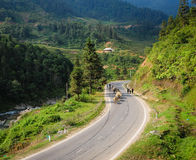 Bergväg i nordliga Vietnam Royaltyfri Foto