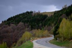 Bergväg i Sibiu County Rumänien Fotografering för Bildbyråer