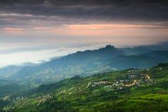 Bergväg på Thailand Arkivbilder
