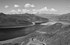 bergvägsikt Arkivfoton