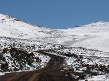 bergvägspolning Arkivfoton