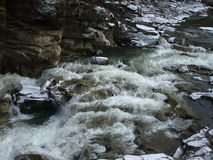 bergvattenfall Arkivfoto