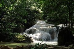 Bergvattenfall av Thailand Royaltyfria Bilder