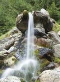 Bergvattenfalldetalj royaltyfria bilder