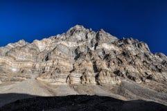 Bergvägg i Tadzjikistan Arkivfoto