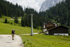 Bergwandern lizenzfreies stockfoto