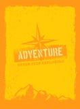 Bergwandern-Motivations-Zitat im Freien Vektor-Konzept auf Schmutz Rusty Background Lizenzfreie Stockfotos