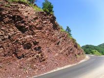 Bergweg in de Kaukasus Royalty-vrije Stock Afbeelding