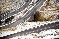 Bergweg in de Winter Royalty-vrije Stock Afbeeldingen
