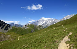 Bergweg die Mont Blanc overzien Reis du mont blanc Stock Afbeeldingen