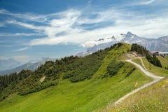 Bergweg in Franse Alpen Royalty-vrije Stock Fotografie