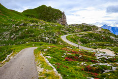 Bergweg Julian Alps stock afbeeldingen