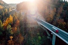 Bergweg tussen Sarajevo en Tuzla Royalty-vrije Stock Foto
