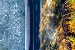 Bergweg tussen Sarajevo en Tuzla Royalty-vrije Stock Afbeeldingen