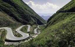 Bergweg in Vietnam Stock Afbeeldingen