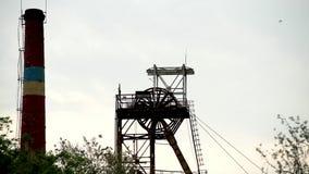 Bergwerke ragen HD hoch stock footage