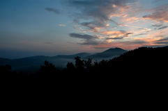 Bergzonsopgang stock foto's
