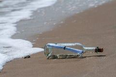 Bericht in een fles Stock Fotografie