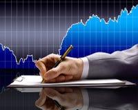 Berichte der Finanzierung für den Monat. Stockfotos