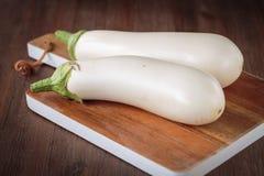 Beringelas brancas cruas frescas Fotografia de Stock Royalty Free