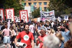 Berkeley Protests Against Fascism, racismo, e Donald Trump imagens de stock