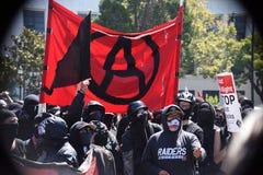 Berkeley Protests Against Fascism, racismo, y Donald Trump Fotos de archivo