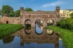 Berkelpoort - stadsmuur over de rivier Berkel in Zutphen, Nederland royalty-vrije stock foto