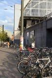 Bicicletas parqueadas en Alexanderplatz Fotos de archivo