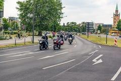Berlín, Alemania - 28 de mayo de 2016: Desfile de la motocicleta en Berlín contra violance Imágenes de archivo libres de regalías