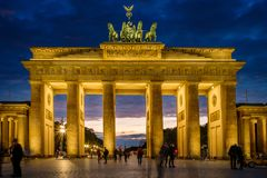 BERLÍN, ALEMANIA - 23 DE SEPTIEMBRE DE 2015: Tor famoso de Brandenburger Fotografía de archivo