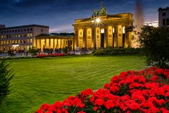 BERLÍN, ALEMANIA - 23 DE SEPTIEMBRE DE 2015: Tor famoso de Brandenburger Imagen de archivo