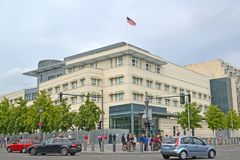 Berlín, Alemania Vista del edificio de la embajada de los Estados Unidos de América Imagen de archivo