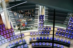 berlín En marzo de 2013 Excursión en el pasillo para un pleno de Reichstag Imagen de archivo
