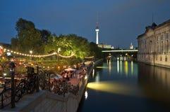 Berlín, Strandbar, Museumsinsel Foto de archivo libre de regalías