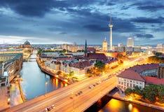 Berlijn bij nacht, Duitsland Stock Fotografie