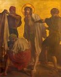 Berlijn - de verf op de metaalplaat - Jesus is gestript van zijn kledingstukken in kerk St Matthew Stock Afbeelding