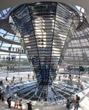 Berlijn, Duitsland. Binnenland van de Reichstag-koepel stock foto