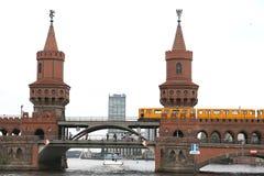 Berlijn, Duitsland, 13 Juni 2018 Op twee niveaus stock foto's