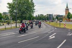 Berlijn, Duitsland - Mei 28, 2016: Motorfietsparade in Berlijn tegen violance Stock Afbeelding