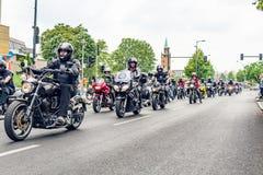 Berlijn, Duitsland - Mei 28, 2016: Motorfietsparade in Berlijn tegen violance Royalty-vrije Stock Fotografie