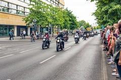 Berlijn, Duitsland - Mei 28, 2016: Motorfietsparade in Berlijn tegen violance Stock Foto