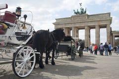 Berlijn, een paardvervoer op Pariser Platz Royalty-vrije Stock Fotografie