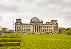 Berlijn, Reichstag-de bouw en TV-toren Stock Afbeelding