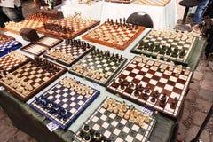 Placas de xadrez para a venda na feira da ladra de domingo da pulga de Mauerpark Imagem de Stock Royalty Free