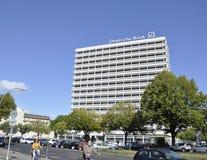 Berlim, Alemanha 27 de agosto: Construção de Deutsche Bank de Berlim em Alemanha fotos de stock royalty free