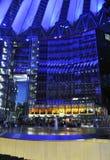 Berlim, Alemanha 27 de agosto: Interior de Sony Center na noite de Berlim em Alemanha Foto de Stock Royalty Free