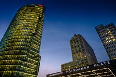 BERLIM, ALEMANHA - 24 DE SETEMBRO DE 2015: skyline do d financeiro Imagens de Stock